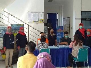Penyaluran Bantuan Sosial Tunai ( BST ) Tahap Empat