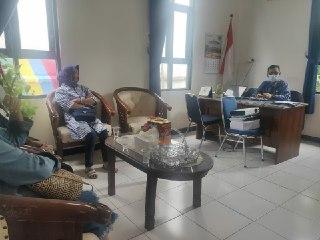 Diskusi Pengaplikasian Batik
